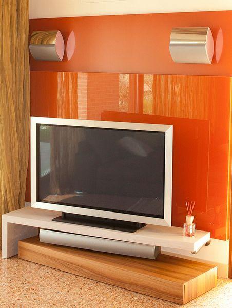 Mobile tv con tecnologia integrata   il legno parla con gli altri ...